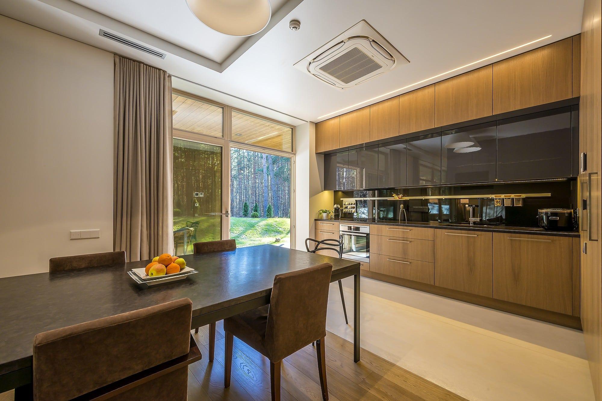 Stilingi baldai virtuve ir valgomojo baldai