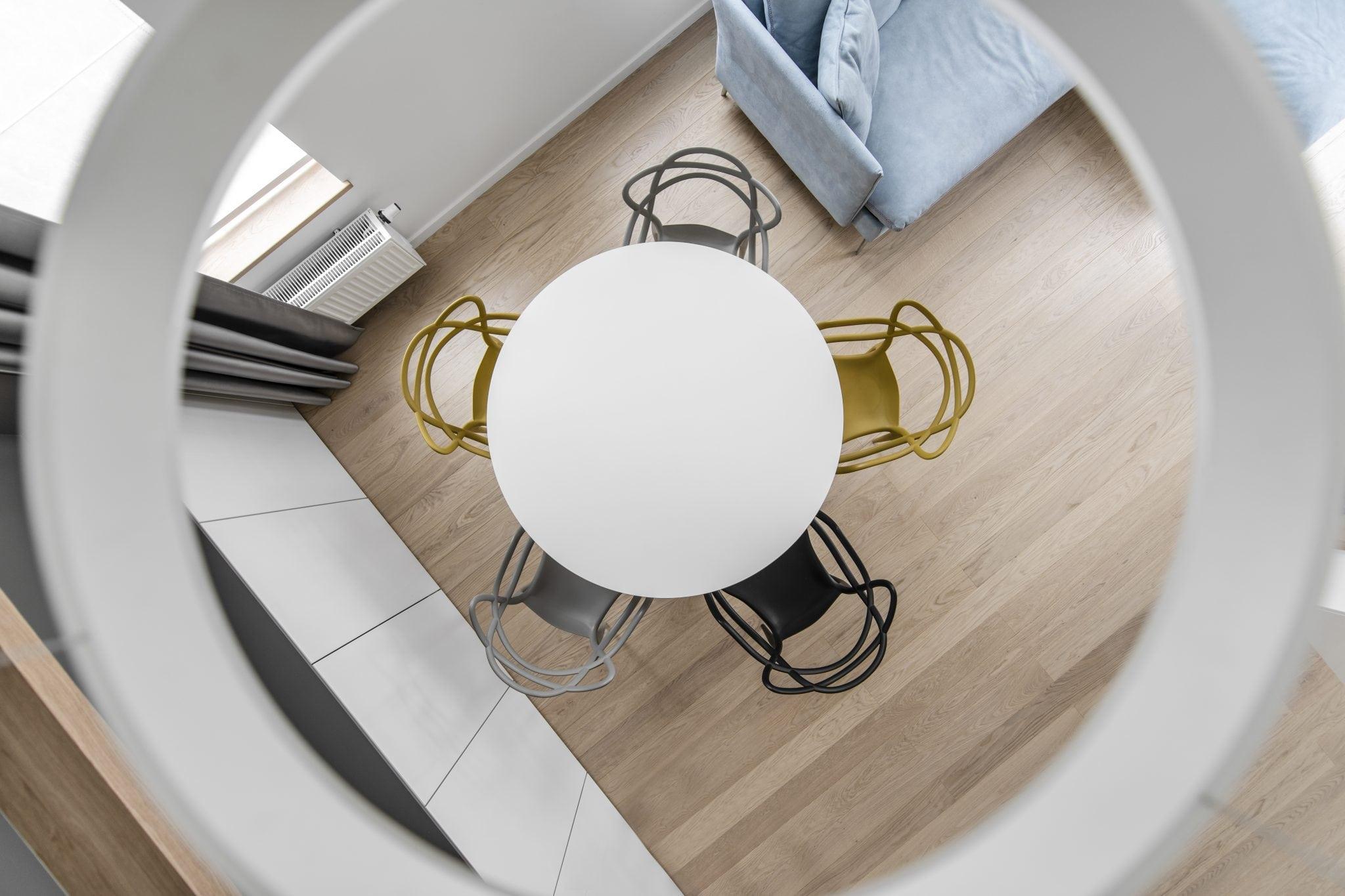 Moderniu baldu gamyba pagal uzsakyma