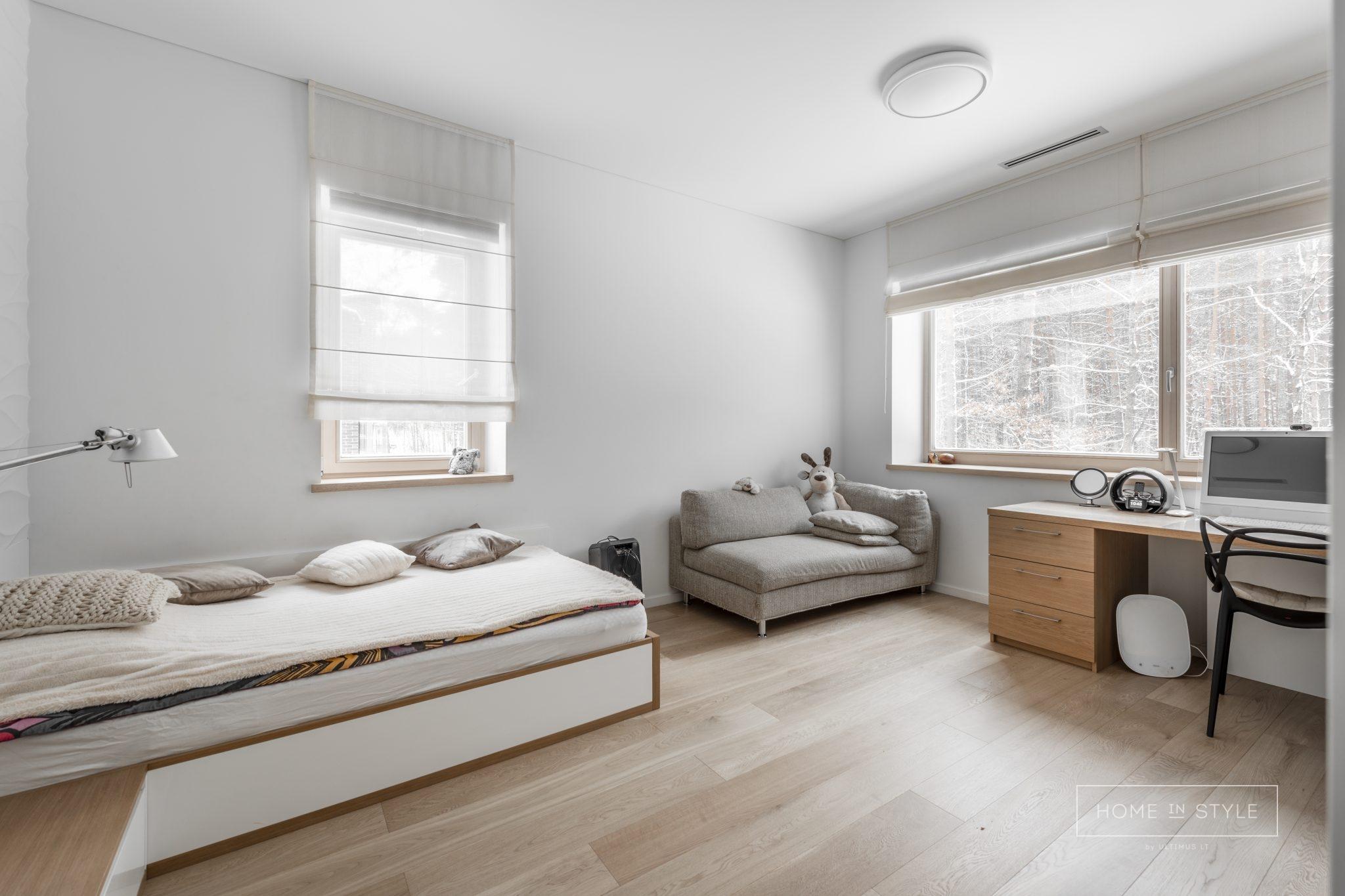 Stilingi baldai jaunuolio ir vaiku kambariui
